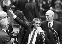 Paddy Hill and others of the Birmingham Six speaks to supporters following their release from the Court in London. 14/3/1991 (Part of the Independent Newspapers Ireland/NLI Collection)