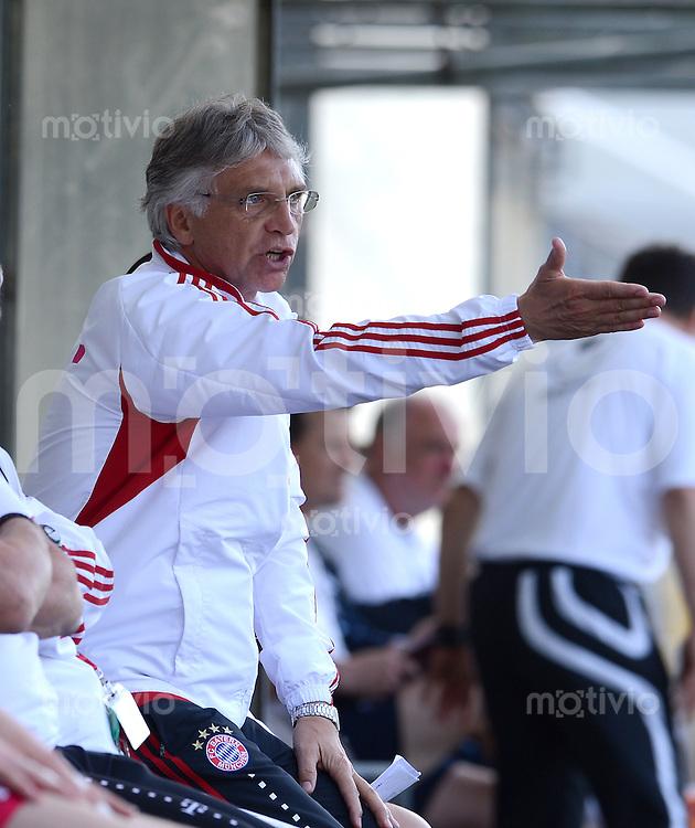 FUSSBALL  U19 A Junioren Bundesliga   SAISON  2011/2012    14. Spieltag   02.05.2012 TSV 1860 Muenchen - FC Bayern Muenchen Trainer Kurt Niedermayer (FC Bayern Muenchen)
