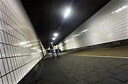 Nederland, Nijmegen, 7-6-2007..Tunnel onder het spoor. In de tunnel hangen camera's,veiligheidscamera's, die echter al een tijd kapot zijn. Burgemeester de Graaff wil ze definitief weghalen hoewel het door de jaren heen een van de onveiligere plekken is in de stad. ..Foto: Flip Franssen/Hollandse Hoogte