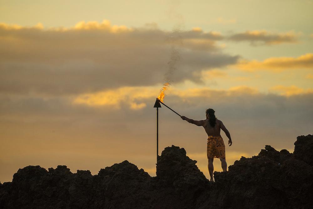USA, Hawaii, Maui , Kaanapali Beach,Sheraton Maui Resort & Spa, torch lighting ceremony