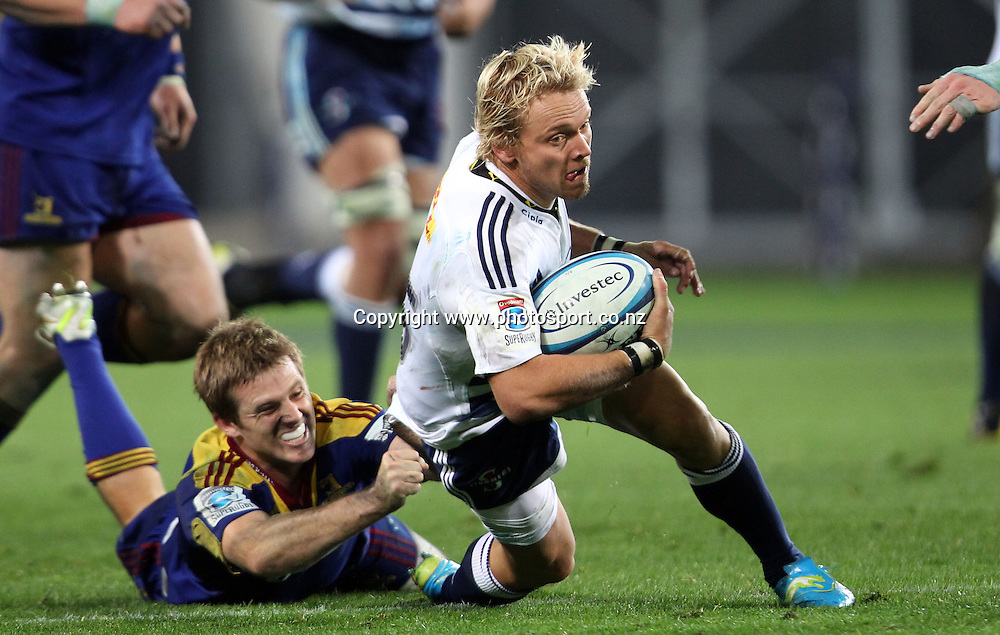 Joe Pietersen looks to break the Highlanders line for the Stormers.<br /> Investec Super Rugby - Highlanders v Stormers, 7 April 2012, Forsyth Barr Stadium, Dunedin, New Zealand.<br /> Photo: Rob Jefferies / photosport.co.nz