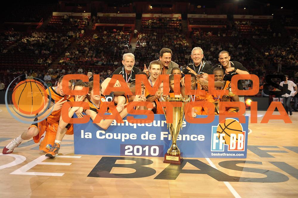DESCRIZIONE : Coupe de France Finale Cadets Le Mans Hyeres Toulon<br /> GIOCATORE : <br /> SQUADRA : Le Mans<br /> EVENTO : FRANCE Coupe de France 2009-2010<br /> GARA : Le Mans Hyeres Toulon<br /> DATA : 16/05/2010<br /> CATEGORIA : Basketball Cadets Trophee<br /> SPORT : Basketball<br /> AUTORE : JF Molliere par Agenzia Ciamillo-Castoria <br /> Galleria : France Coupe de France 2009-2010 <br /> Fotonotizia : Coupe de France Paris Bercy 2009-2010 Msb Le Mans Hyeres Toulon <br /> Predefinita :