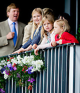 ROTTERDAM - Koning Willem-Alexander, koningin Maxima en hun dochters (VLNR) Amalia, Ariane en Alexia zijn aanwezig bij de Longines Grand Prix Port of Rotterdam tijdens het CHIO in Rotterdam. Dutch King Willem Alexander and Queen Maxima attends the Longines Grand Prix Port of Rotterdam sunday with the three princesses Amalia , Ariane and Alexia  and the Japanese prinses Mako. COPYRIGHT ROBIN UTRECHT