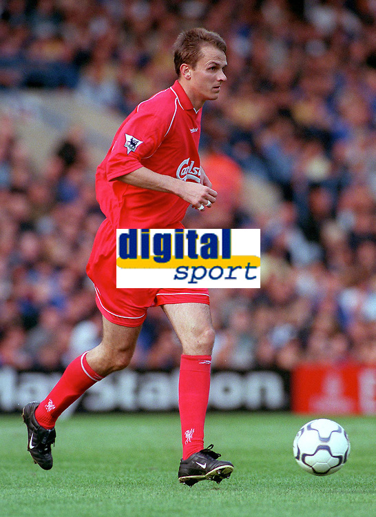 Dietmar Hamann (Liverpool) Chelsea v Liverpool, F.A.Carling Premiership, 1/10/2000. Credit Colorsport / Nick Kidd.