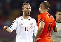 Fotball<br /> EM 2012<br /> 09.06.2012<br /> Danmark v Nederland / Holland<br /> Foto: Gepa/Digitalsport<br /> NORWAY ONLY<br /> <br /> UEFA Europameisterschaft 2012 in Polen und der Ukraine, Laenderspiel, Gruppenphase, Niederlande vs Daenemark. <br /> <br /> Bild zeigt Dennis Rommedahl (DEN) und Arjen Robben (HOL).
