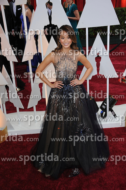 22.02.2015, Dolby Theatre, Hollywood, USA, Oscar 2015, 87. Verleihung der Academy of Motion Picture Arts and Sciences, im Bild Jamie Chung // attends 87th Annual Academy Awards at the Dolby Theatre in Hollywood, United States on 2015/02/22. EXPA Pictures &copy; 2015, PhotoCredit: EXPA/ Newspix/ PGMP<br /> <br /> *****ATTENTION - for AUT, SLO, CRO, SRB, BIH, MAZ, TUR, SUI, SWE only*****