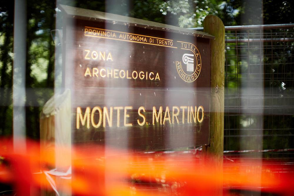 Tenno (TN) - Parco Archeologico Monte San Martino: entrata del parco.