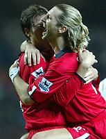 Fotball<br /> England 2004/2005<br /> Foto: SBI/Digitalsport<br /> NORWAY ONLY<br /> <br /> 21/11/2004 <br /> Blackburn Rovers v Birmingham City<br /> FA Barclays Premiership, Ewood Park<br /> <br /> Darren Anderton celebrates with Robbie Savage of Birmingham City after scoring the equalising goal against Blackburn Rovers.