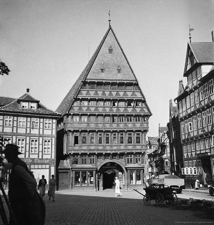 Knochenhauer Amtshaus Gabled Hall and Street Scene at Hildesheim, 1936