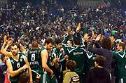DESCRIZIONE : Atene Eurolega 2008-09 Quarti di Finale Gara 1 Panathinaikos Montepaschi Siena<br /> GIOCATORE : Vassilis Spanoulis<br /> SQUADRA : Panathinaikos<br /> EVENTO : Eurolega 2008-2009<br /> GARA : Panathinaikos Montepaschi Siena<br /> DATA : 24/03/2009<br /> CATEGORIA : esultanza tifo tifosi fan supporter<br /> SPORT : Pallacanestro<br /> AUTORE : Agenzia Ciamillo-Castoria/Action Images.gr