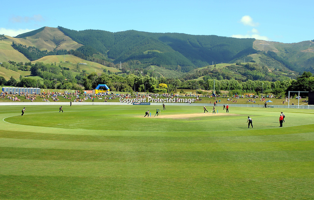 General view of Saxton Oval. New Zealand White Ferns v Australia. Women's Rose Bowl twenty/20 cricket. Saxton Oval, Nelson, New Zealand. Thursday 30 December 2010. Photo: Chris Symes / www.photosport.co.nz