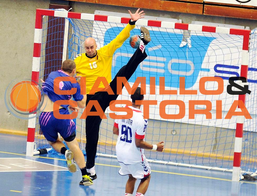DESCRIZIONE : Handball Tournoi de Cesson Homme<br /> GIOCATORE : SIERRA VJose Manuel<br /> SQUADRA : Paris<br /> EVENTO : Tournoi de cesson<br /> GARA : Paris Cesson<br /> DATA : 07 09 2012<br /> CATEGORIA : Handball Homme<br /> SPORT : Handball<br /> AUTORE : JF Molliere <br /> Galleria : France Hand 2012-2013 Action<br /> Fotonotizia : Tournoi de Cesson Homme<br /> Predefinita :