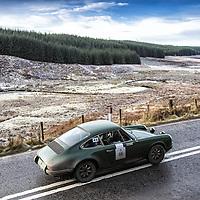 Car 46 Paul Crosby / Andy Pullan - Porsche 911E