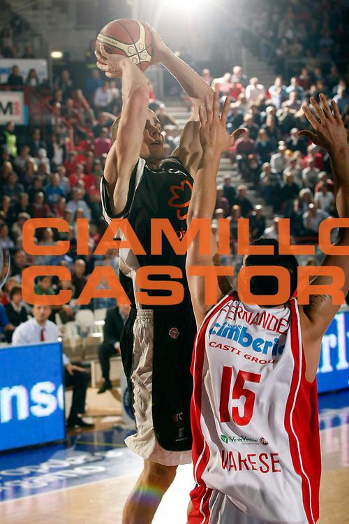 DESCRIZIONE : Varese Lega A1 2007-08 Cimberio Varese Solsonica Rieti<br /> GIOCATORE : Tuukka Kotti<br /> SQUADRA : Solsonica Rieti<br /> EVENTO : Campionato Lega A1 2007-2008<br /> GARA : Cimberio Varese Solsonica Rieti<br /> DATA : 14/10/2007<br /> CATEGORIA : Tiro<br /> SPORT : Pallacanestro<br /> AUTORE : Agenzia Ciamillo-Castoria/G.Cottini