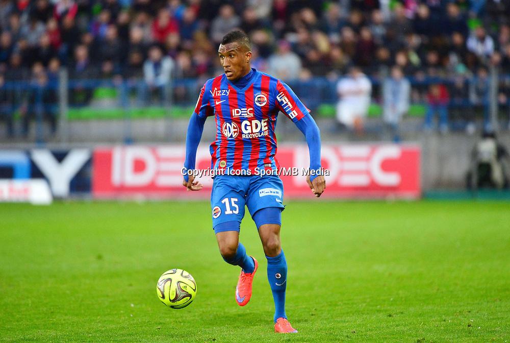 Emmanuel IMOROU - 25.04.2015 - Caen / Guingamp - 34eme journee de Ligue 1<br /> Photo : David Winter / Icon Sport