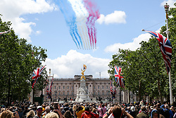 © Licensed to London News Pictures. 08/06/2019. London, UK. A flypast of RAF Red Arrows trailing red, white and blue smoke over Buckingham Palace in a patriotic tribute to celebrate 93rd birthday of Queen Elizabeth II, Britain's longest reigning monarch. Photo credit: Dinendra Haria/LNP