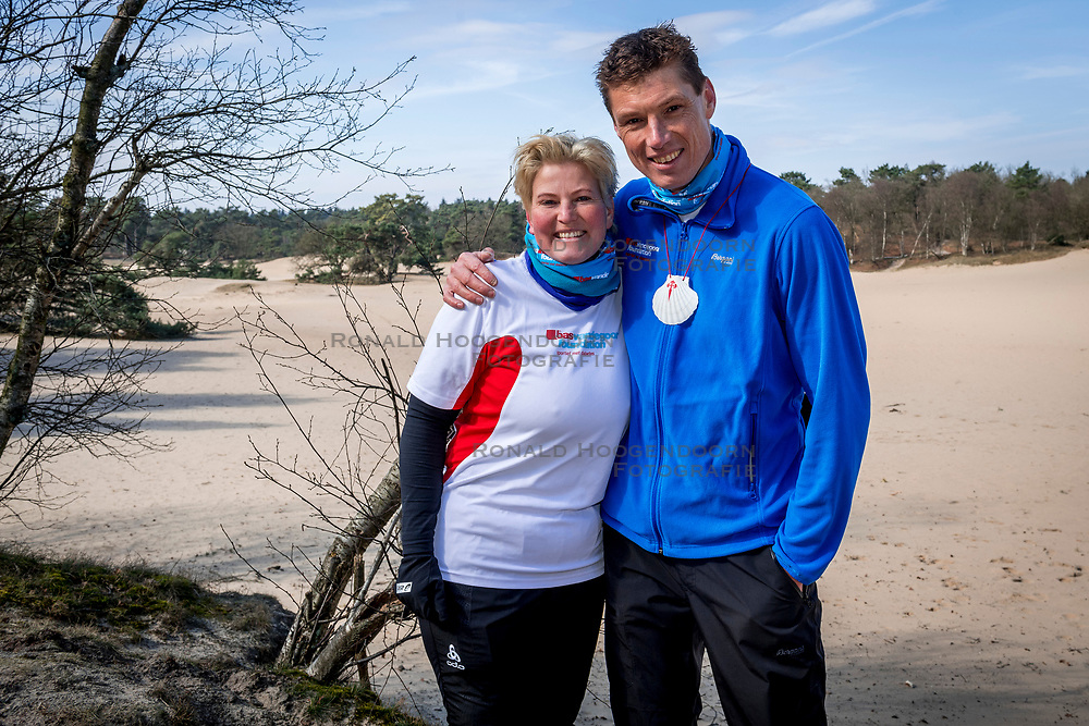 18-03-2018 NED: We hike to change diabetes, Soest<br /> Training voor de Camino 2018 op de Soesterduinen / Bas en Mirjam