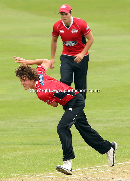 Edward Nuttall in action for the Wizards.<br /> Otago Volts v Canterbury Wizards, 5 February 2012, University Oval, Dunedin, New Zealand.<br /> Photo: Rob Jefferies/PHOTOSPORT