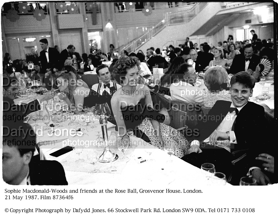 Sophie Macdonald-Woods at the Rose Ball, Grosvenor House. London. 21 May 1987. Film 87364f6<br /> &copy; Copyright Photograph by Dafydd Jones. 66 Stockwell Park Rd. London SW9 0DA. Tel 0171 733 0108