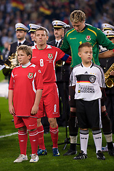 MONCHENGLADBACH, GERMANY - Wednesday, October 15, 2008: Wales' captain Craig Bellamy and goalkeeper Wayne Hennessey before the 2010 FIFA World Cup South Africa Qualifying Group 4 match against Germany at the Borussia-Park Stadium. (Photo by David Rawcliffe/Propaganda)