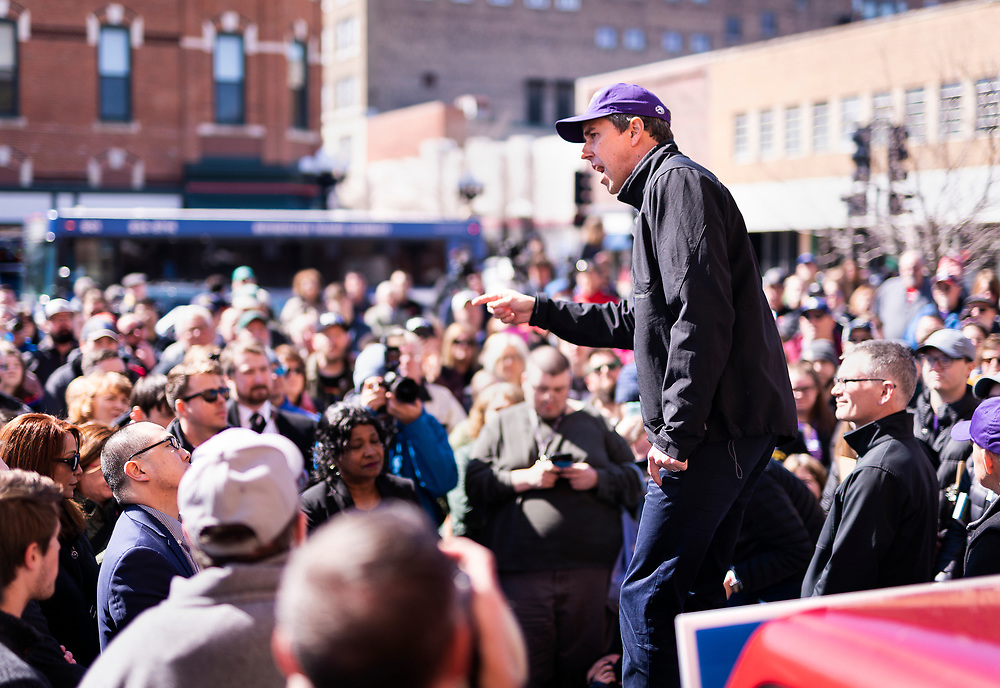 Democratic 2020 presidential candidate Beto O'Rourke, 46, speaks with supporters during a three day road trip across Iowa, in Waterloo, Iowa, U.S., March 16, 2019.  REUTERS/Ben Brewer