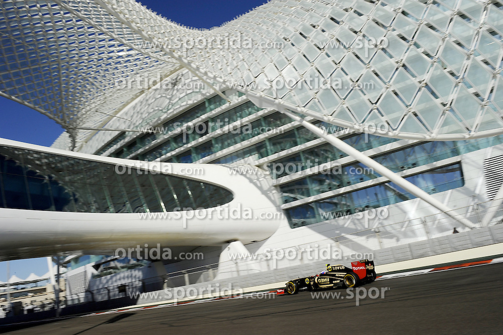 11.11.2011, Yas-Marina-Circuit, Abu Dhabi, UAE, Grosser Preis von Abu Dhabi, im Bild Vitaly Petrov (RUS), Lotus Renault GP  // during the Formula One Championships 2011 Large price of Abu Dhabi held at the Yas-Marina-Circuit, 2011-11-11. EXPA Pictures © 2011, PhotoCredit: EXPA/ nph/ Dieter Mathis..***** ATTENTION - OUT OF GER, CRO *****