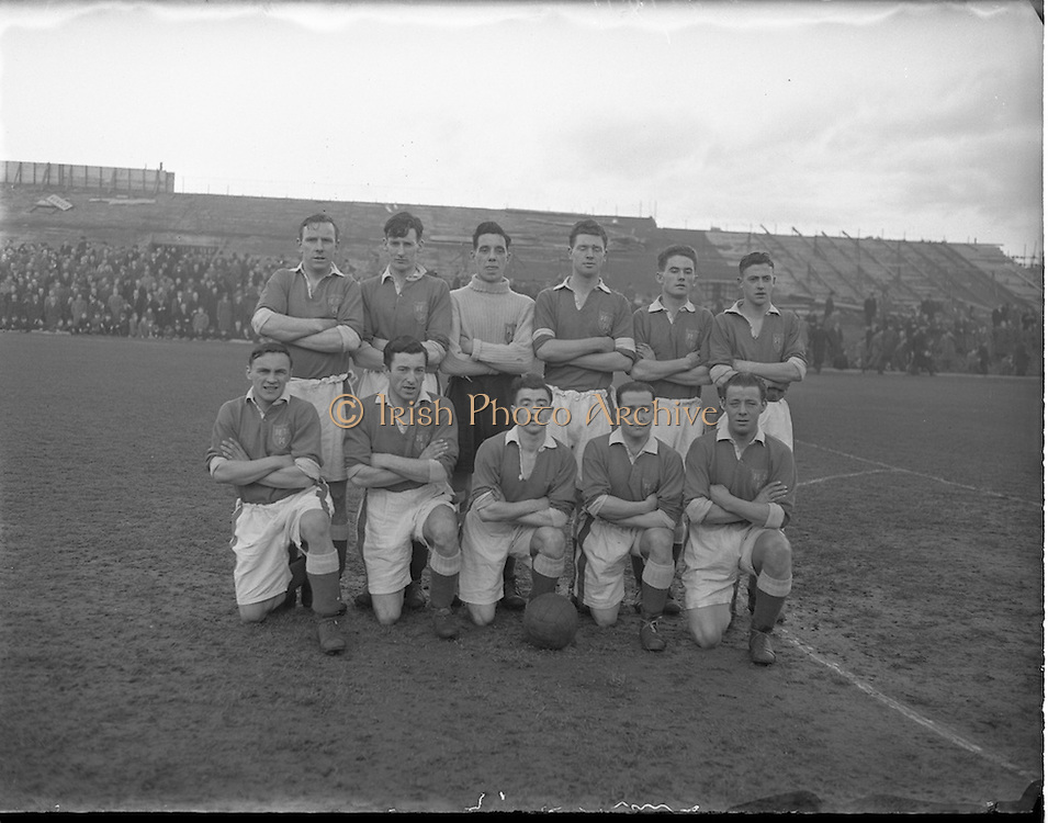 24/01/1953.01/24/1953.24 January 1953.Drumcondra v Shelbourne at Dalymount Park. The Shels squad.