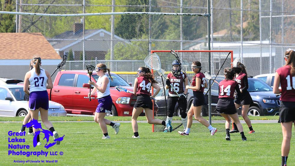 2016 De Pere Girls Lacrosse Team at May 7 2016 Neenah Invitational