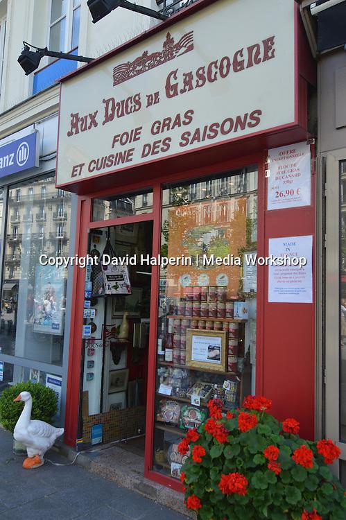 """Foie gras shop """"Aux Ducs de Gascogne"""", Rue Ste-Antoine, Paris"""