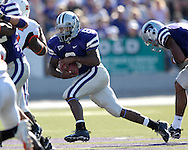Kansas State running back James Johnson (8) rushes up field against Oklahoma State at Bill Snyder Family Stadium in Manhattan, Kansas, October 7, 2006.  The Wildcats beat the Cowboys 31-27.<br />