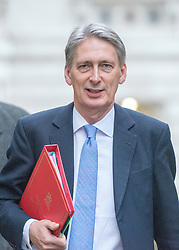 © Licensed to London News Pictures. 18/11/2014. Westminster, UK. Foreign Secretary Philip Hammond arrives for the Cabinet and COBRA meetings.  Ministers and MP's on Downing Street 18th November 2014. Photo credit : Stephen Simpson/LNP