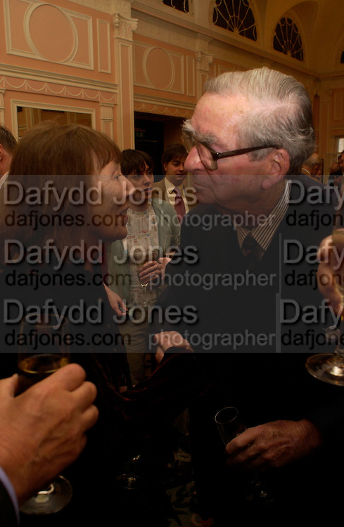 Beryl Bainbridge and Lord Healey. The Oldie Of The Year Awards,  Simpsons in the Strand, London. 22 March 2005. ONE TIME USE ONLY - DO NOT ARCHIVE  © Copyright Photograph by Dafydd Jones 66 Stockwell Park Rd. London SW9 0DA Tel 020 7733 0108 www.dafjones.com