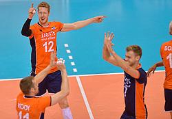 31-05-2015 NED: CEV EK Kwalificatie Nederland - Spanje, Doetinchem<br /> Nederland wint met 3-1 van Spanje en plaatst zich voor het EK in Bulgarije en Italie / Kay van Dijk #12, Gijs Jorna #7