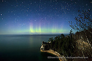 aurora borealis northern lights in the upper peninsula of michigan photos, pictures, images of pictured rocks national lakeshore