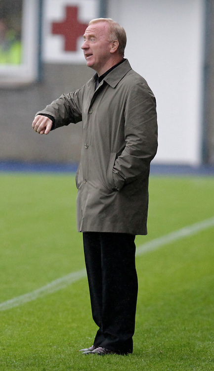 Tommy Craig gives his team some instructions during the Greenock Morton FC  V St Mirren FC  Renfrewshire cup final 19th July  2014 ©Edward Linton | SportPix.org.uk