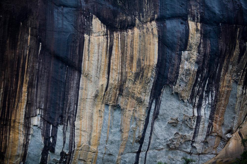 Conceicao do Castelo_ES, Brasil...Paredao de pedra nas proximidades de Monforte Frio, o lugar faz parte da Rota Imperial...Rock wall on the mountain next to Monforte Frio, this place is part of Imperial Route...Foto: LEO DRUMOND / NITRO