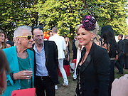 NICKY HASLAM;  TIM WILLIS ; AMANDA ELIASCH;, The Summer Party. Serpentine Gallery. 8 July 2010. -DO NOT ARCHIVE-© Copyright Photograph by Dafydd Jones. 248 Clapham Rd. London SW9 0PZ. Tel 0207 820 0771. www.dafjones.com.