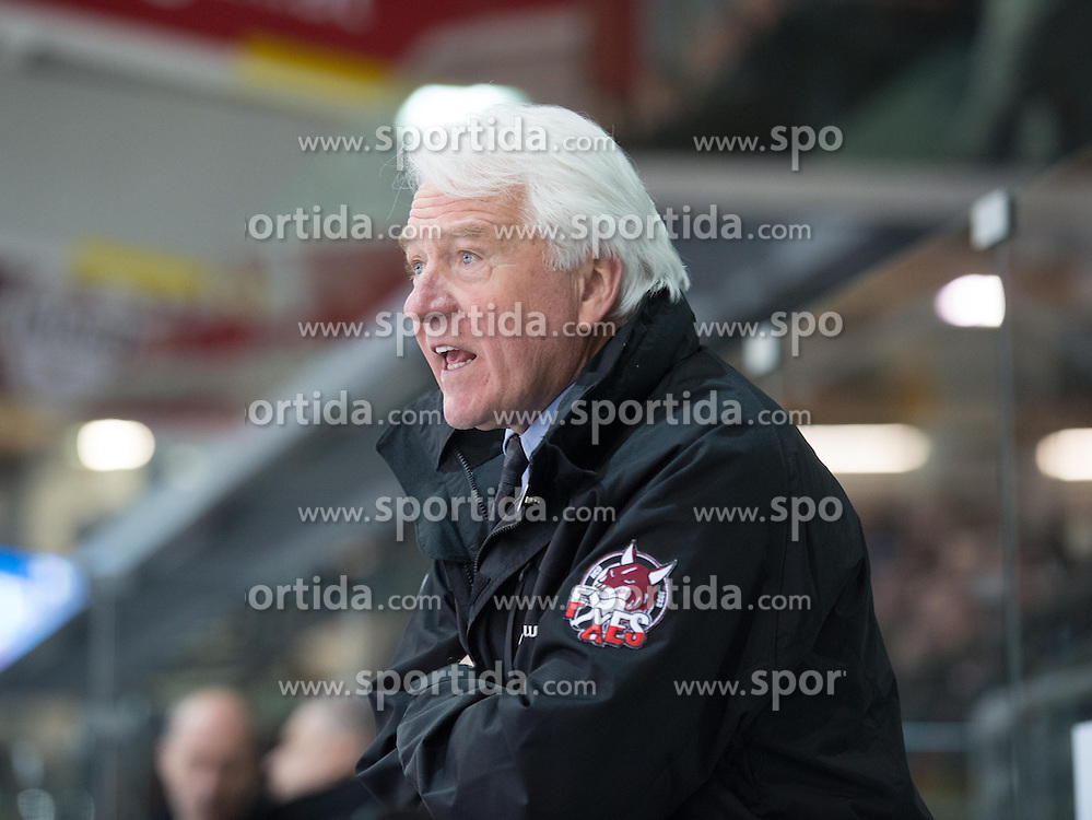 15.03.2015, Keine Sorgen Eisarena, Linz, AUT, EBEL, EHC Liwest Black Wings Linz vs HCB Südtirol, 59. Runde, 5. Viertelfinale im Bild Trainer Don Mac Adam (HCB Südtirol, #) // during the Erste Bank Icehockey League 59th round match, 5th quarterfinal between EHC Black Wings Linz and HCB Südtirol at the Keine Sorgen Icearena, Linz, Austria on 2015/03/15. EXPA Pictures © 2015, PhotoCredit: EXPA/ Reinhard Eisenbauer