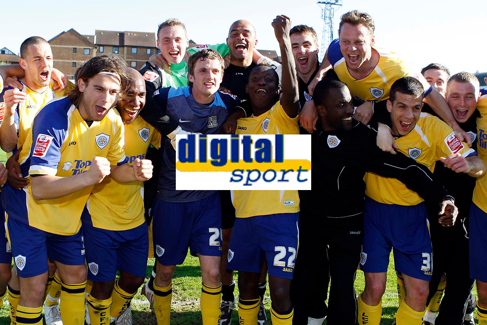 Coca-Cola League One - Southend United vs. Leicester City<br /> Leicester City celebrate their League One title win against Southend United.<br /> Credit: Colorsport/ Garry Bowden