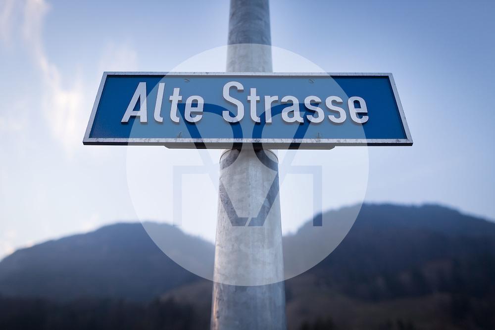 SCHWEIZ - REICHENBACH - Strassenschild 'Alte Strasse' - 03. Dezember 2016 © Raphael Hünerfauth - http://huenerfauth.ch