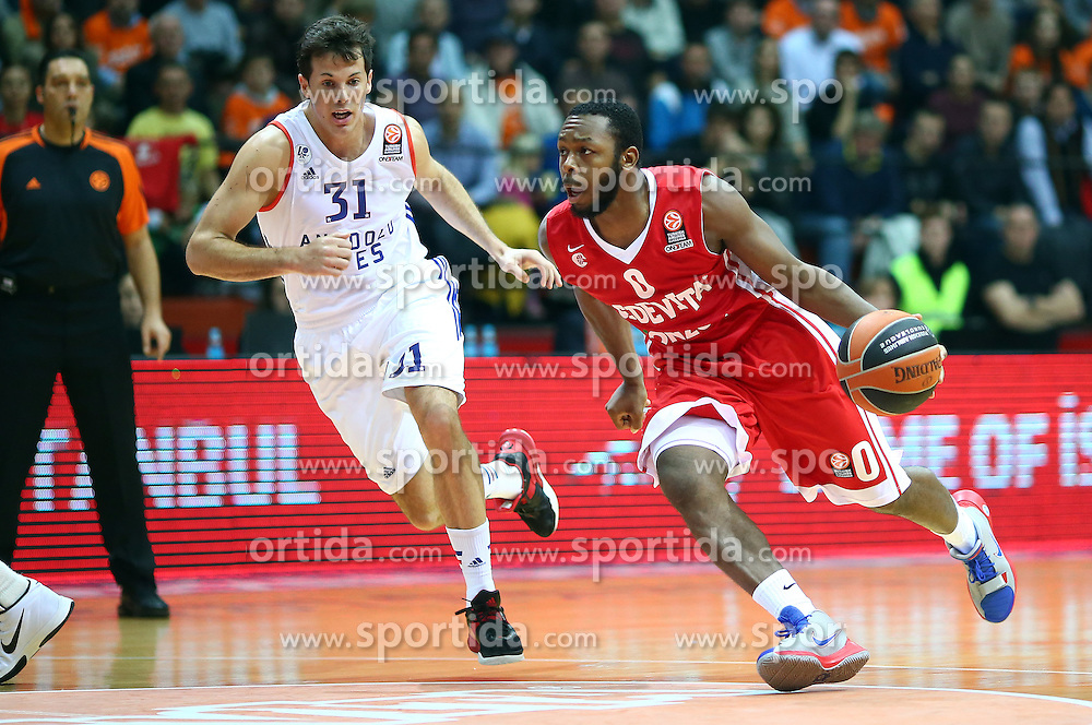 03.12.2015, KC Drazen Petrovic, Zagreb, CRO, FIBA, EL, KK Cedevita vs Anadolu Efes Istanbul, Gruppe B, 8. Runde, im Bild Jacob Pulen, Thomas Heurtel // during the group B, 8th round match of the Turkish Airlines Basketball Euroleague between KK Cedevita and Anadolu Efes Istanbul at the KC Drazen Petrovic in Zagreb, Croatia on 2015/12/03. EXPA Pictures &copy; 2015, PhotoCredit: EXPA/ Pixsell/ Slavko Midzor<br /> <br /> *****ATTENTION - for AUT, SLO, SUI, SWE, ITA, FRA only*****