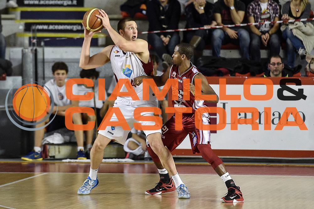 DESCRIZIONE : Campionato 2014/15 Virtus Acea Roma - Giorgio Tesi Group Pistoia<br /> GIOCATORE : Maxime De Zeeuw<br /> CATEGORIA : Passaggio Controcampo<br /> SQUADRA : Virtus Acea Roma<br /> EVENTO : LegaBasket Serie A Beko 2014/2015<br /> GARA : Dinamo Banco di Sardegna Sassari - Giorgio Tesi Group Pistoia<br /> DATA : 22/03/2015<br /> SPORT : Pallacanestro <br /> AUTORE : Agenzia Ciamillo-Castoria/GiulioCiamillo<br /> Predefinita :