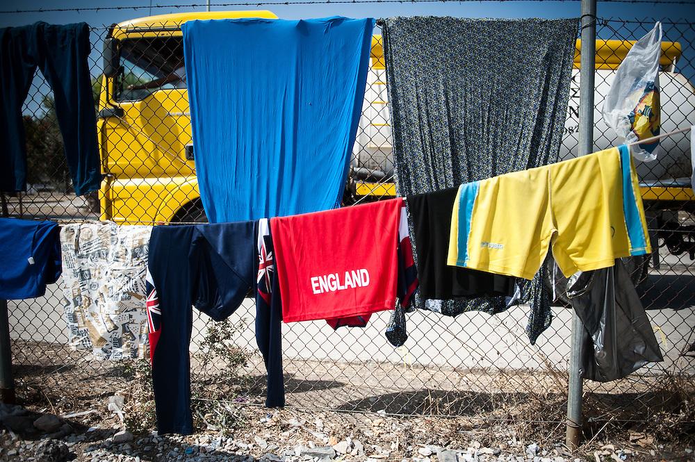 A clothesline at Kara Tepe camp in Lesvos , Greece