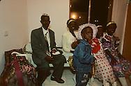 """family Ambo: new immigrants from Ethiopia, """"Falashmuras"""": Christians converted to Judaism  givaat amatos, Jerusalem  Israel     /// arrivee de nouveau amigrants  """"Falashmuras"""" d'Etiopie;  famille ambo  givaat amatos, Jerusalem  Israel Chretiens  du Gundar en cours de conversion au judaisme descendant de la tribu de Dan  /// R00287/    L004348  /  P0007187"""