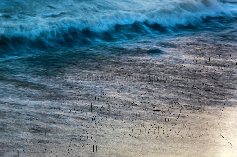 Redondo Beach is a beach where women love other women, 2015 . Inspir&eacute; par la composition du disque Horses de Patti Smith<br /> <br /> 60 cm x 90 cm<br /> Encre de Chine sur tirage pigmentaire sur papier Hahnem&uuml;hle 100% coton<br /> pi&egrave;ce unique<br /> <br /> me contacter v.durruty@gmail.com