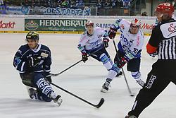 16.01.2015, Saturn Arena, Ingolstadt, GER, DEL, ERC Ingolstadt vs Schwenninger Wild Wings, 39. Runde, im Bild Jon Matsumoto (Nr.10, Schwenninger Wild Wings) zeiht ab - Benedikt Kohl (Nr.34, ERC Ingolstadt) kann sich nur noch wegdrehen // during Germans DEL Icehockey League 39th round match between ERC Ingolstadt and Schwenninger Wild Wings at the Saturn Arena in Ingolstadt, Germany on 2015/01/16. EXPA Pictures © 2015, PhotoCredit: EXPA/ Eibner-Pressefoto/ Strisch<br /> <br /> *****ATTENTION - OUT of GER*****