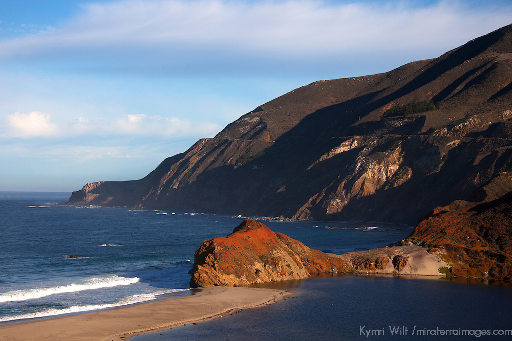 USA, California. California Coast on Pacific Coast Highway 1, south of Carmel by the Sea.