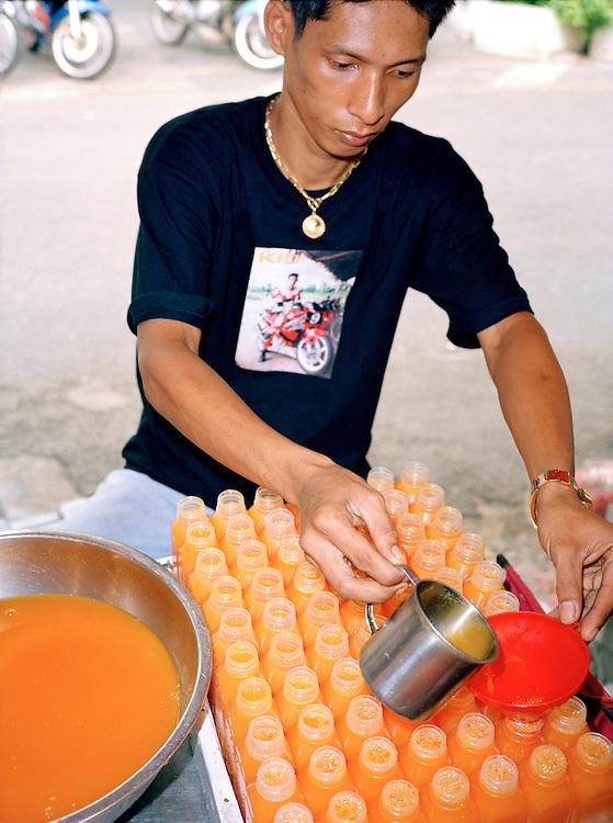 Selling fresh orange juice