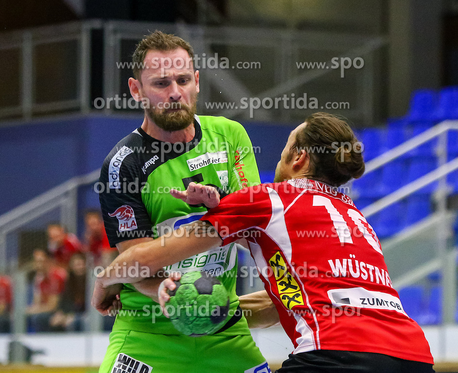 18.11.2015, BSFZ Südstadt, Maria Enzersdorf, AUT, HLA, SG INSIGNIS Handball WESTWIEN vs Alpla HC Hard, Grunddurchgang, 13. Runde, im Bild Hannes Jon Jonsson (Trainer WestWien), Frederic Wüstner (Hard)// during Handball League Austria, 13 th round match between SG INSIGNIS Handball WESTWIEN and Alpla HC Hard at the BSFZ Südstadt, Maria Enzersdorf, Austria on 2015/11/18, EXPA Pictures © 2015, PhotoCredit: EXPA/ Sebastian Pucher