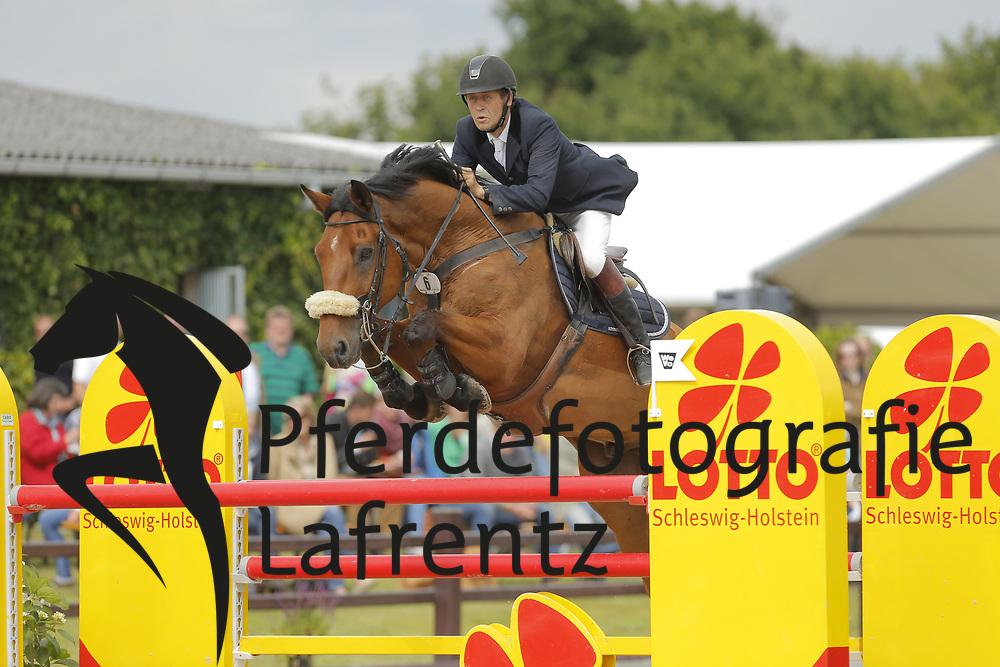 Suomus, Yrjö, Accourir<br /> Ehlersdorf - Ehlersdorfer Turniertage 2014<br /> Grosser Preis<br /> © www.sportfotos-lafrentz.de/ Stefan Lafrentz